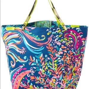 LILLY PULITZER Beach Reversible Tote Beach Loot
